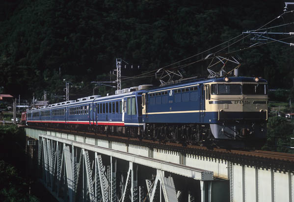 Ef65501